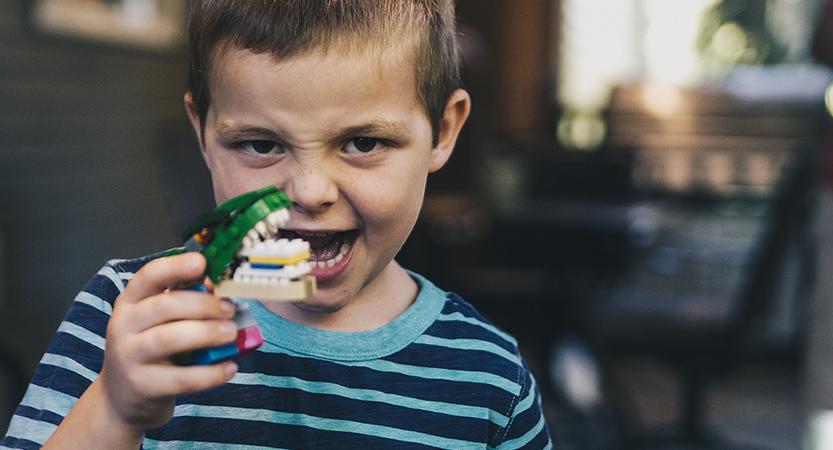 אילו מאכלים יוצרים עששת ומגנים מפניה