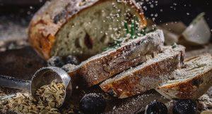למה נשים מעדיפות לחם וגברים סטייק?