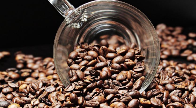 השפעת צריכת קפה על רמות הכולסטרול בדם ומחלות קרדיו-ווסקולריות