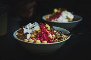 פתיתי שיבולת-שועל מוכנים לאכילה מגבירים תחושת שובע ומפחיתים צריכת אנרגיה בהשוואה לדגני בוקר מבוססי-שיבולת שועל מוכנים לאכילה: ניסוי מוצלב אקראי